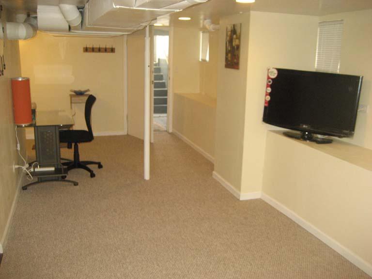707 W California Ave Urbana Il 1 Bedroom Apartment Homes Bmi Management